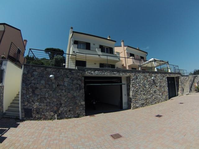Villa in vendita a Toirano, 6 locali, prezzo € 550.000 | Cambio Casa.it