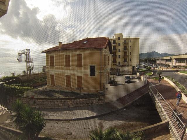 Bilocale Pietra Ligure Via Xxv Aprile 1