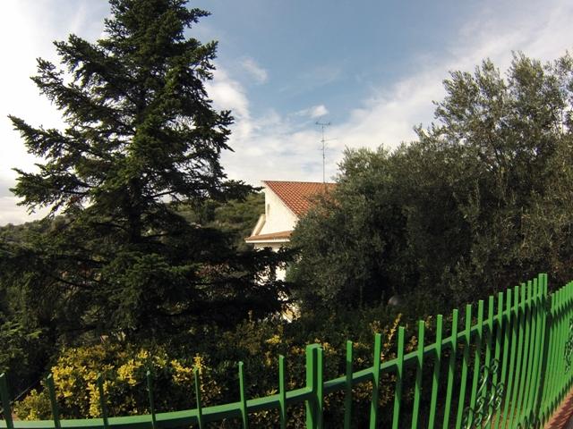 Villa in vendita a Pietra Ligure, 10 locali, prezzo € 820.000 | Cambio Casa.it