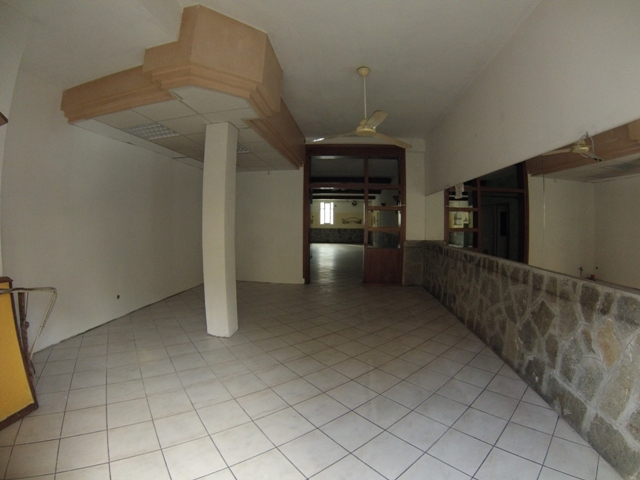 Laboratorio in affitto a Albenga, 9999 locali, prezzo € 1.800 | Cambio Casa.it
