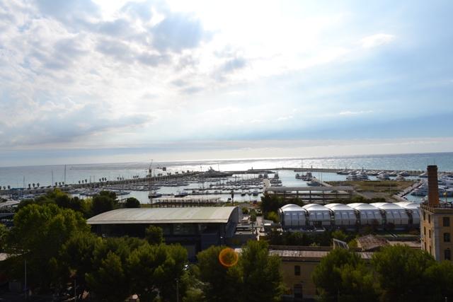 Appartamento in vendita a Imperia, 10 locali, prezzo € 375.000 | Cambio Casa.it