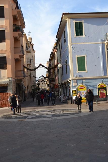 Bilocale Pietra Ligure Via Matteotti 1