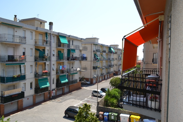 Bilocale Pietra Ligure Via Milano 6