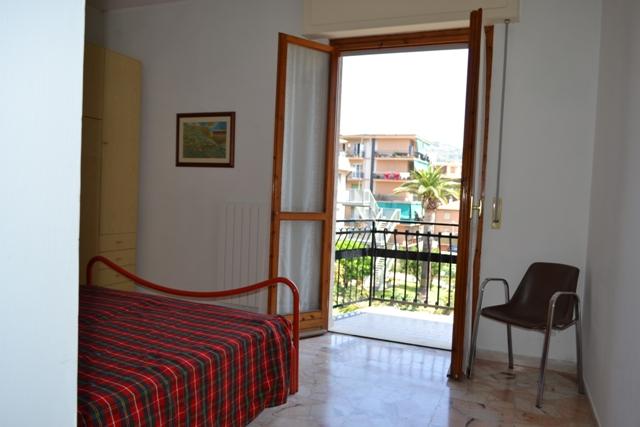 Bilocale Pietra Ligure Via Milano 10