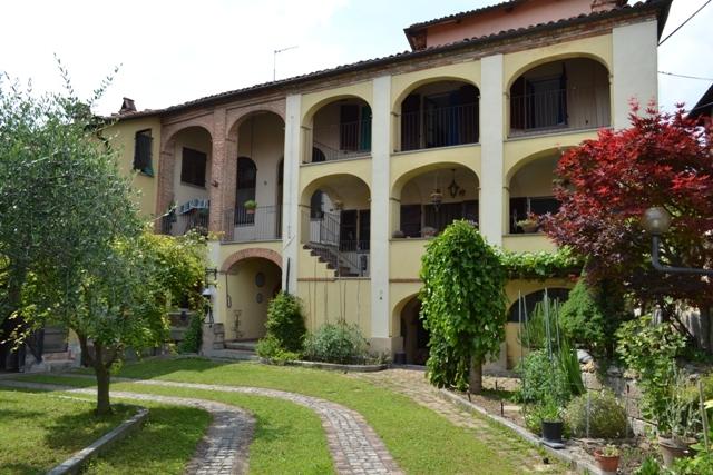 Soluzione Indipendente in vendita a Passerano Marmorito, 15 locali, zona Zona: Schierano, prezzo € 270.000 | Cambio Casa.it