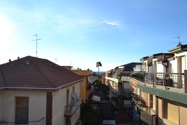 Bilocale Loano Via Guido Gozzano 10