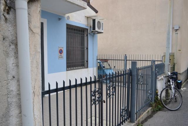 Ufficio / Studio in affitto a Loano, 9999 locali, prezzo € 400 | CambioCasa.it