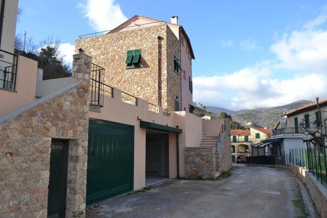 Appartamento in vendita a Orco Feglino, 2 locali, zona Zona: Feglino, prezzo € 170.000 | CambioCasa.it