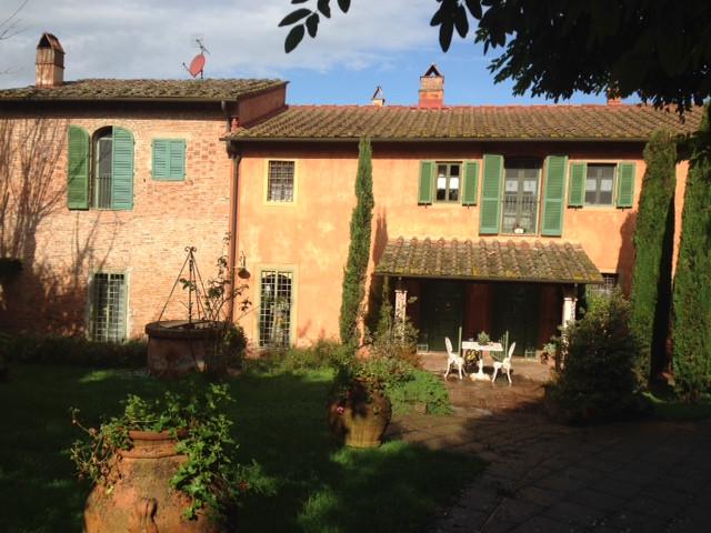 Rustico / Casale in vendita a Pontedera, 30 locali, zona Zona: Montecastello, Trattative riservate | CambioCasa.it