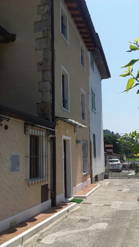 Rustico / Casale in affitto a Camaiore, 6 locali, zona Località: Vado, prezzo € 850 | Cambio Casa.it