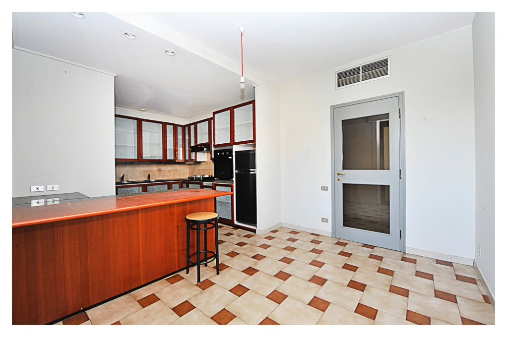 Appartamento vendita VIAREGGIO (LU) - 5 LOCALI - 140 MQ - foto 4