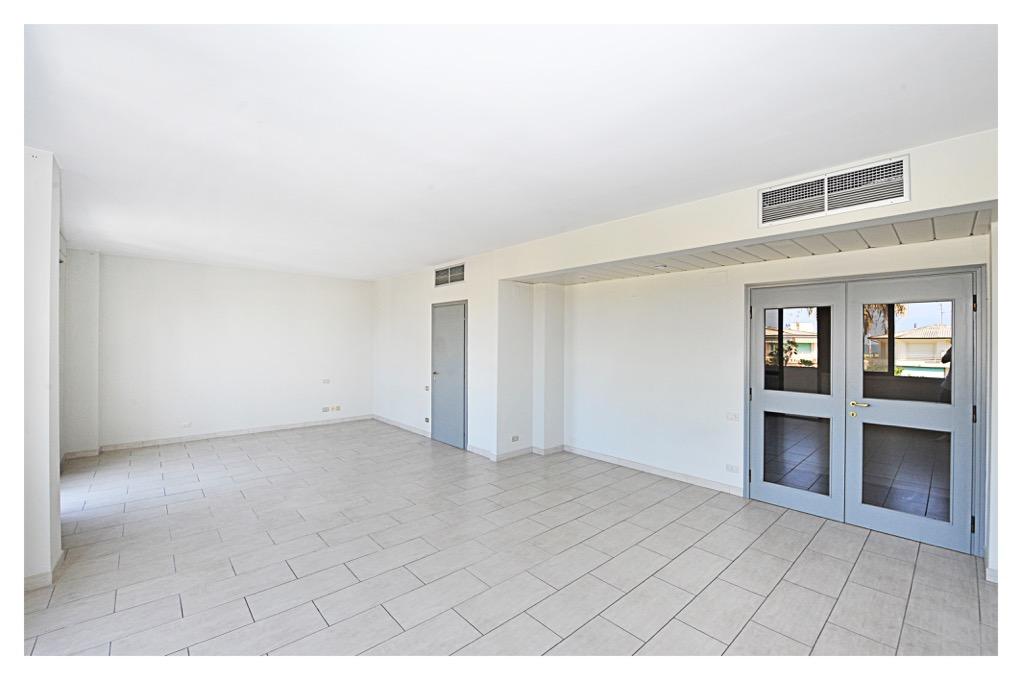Appartamento vendita VIAREGGIO (LU) - 5 LOCALI - 140 MQ - foto 2