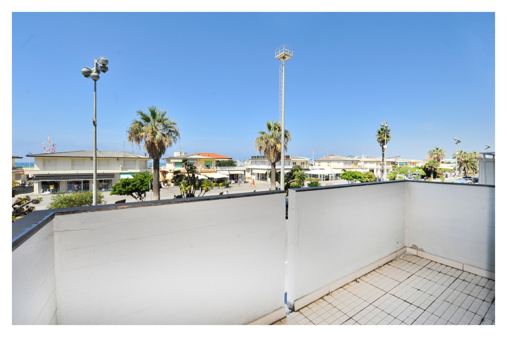 Appartamento vendita VIAREGGIO (LU) - 5 LOCALI - 140 MQ - foto 1