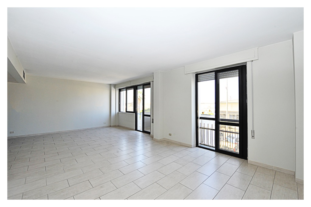 Appartamento vendita VIAREGGIO (LU) - 5 LOCALI - 140 MQ - foto 3