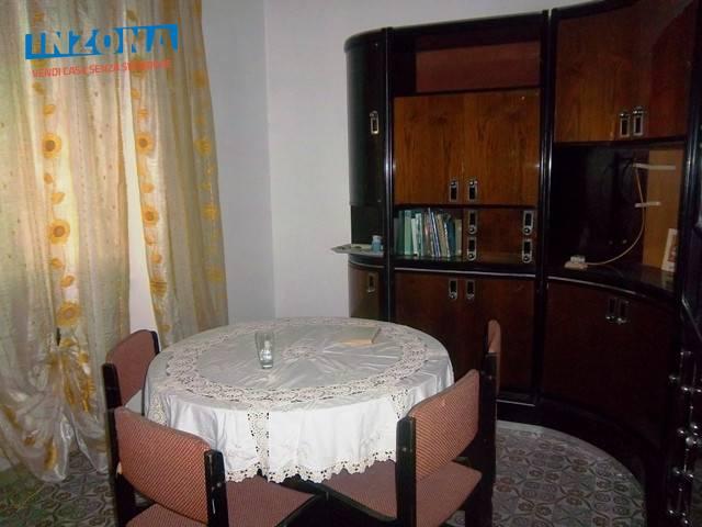 Appartamento in vendita a Teramo, 3 locali, zona Zona: Centro , prezzo € 45.000   Cambio Casa.it