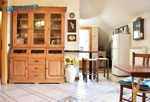 Attico / Mansarda in affitto a Teramo, 3 locali, zona Località: Primaperiferia, prezzo € 330 | Cambio Casa.it