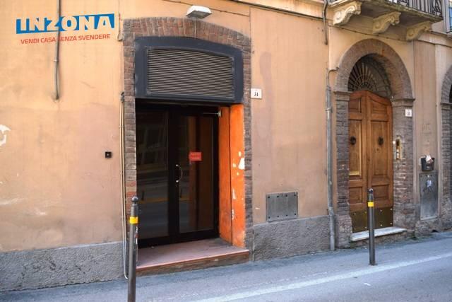 Negozio / Locale in vendita a Teramo, 9999 locali, zona Zona: Centro , prezzo € 35.000 | Cambio Casa.it