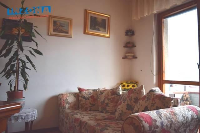 Appartamento in vendita a Teramo, 4 locali, zona Località: Primaperiferia, prezzo € 67.000 | CambioCasa.it