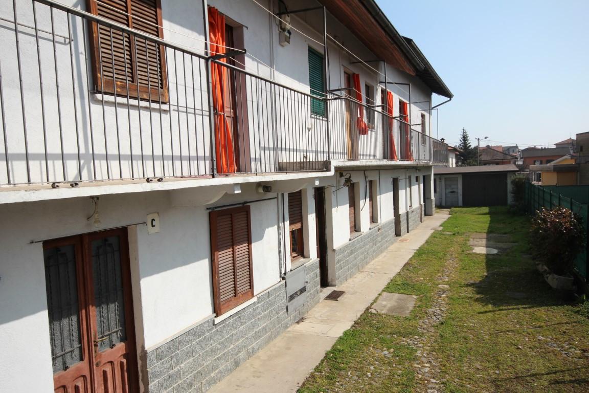 Soluzione Indipendente in vendita a Cambiasca, 8 locali, prezzo € 220.000 | CambioCasa.it