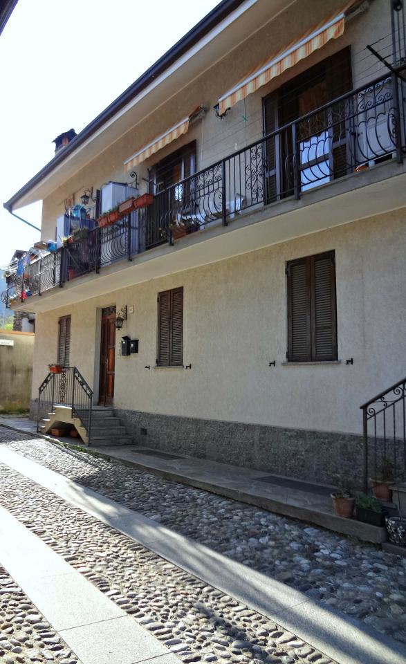 Bilocale Cossogno Piazza Don Minzoni 2