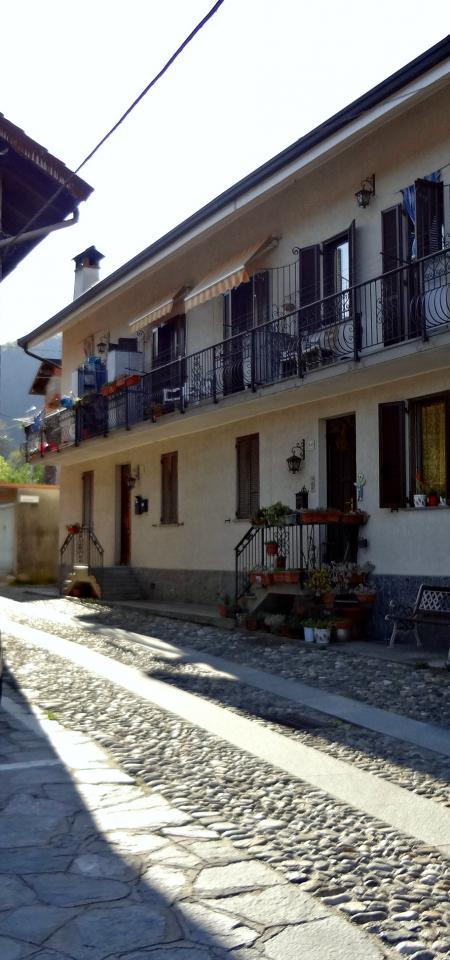 Bilocale Cossogno Piazza Don Minzoni 3
