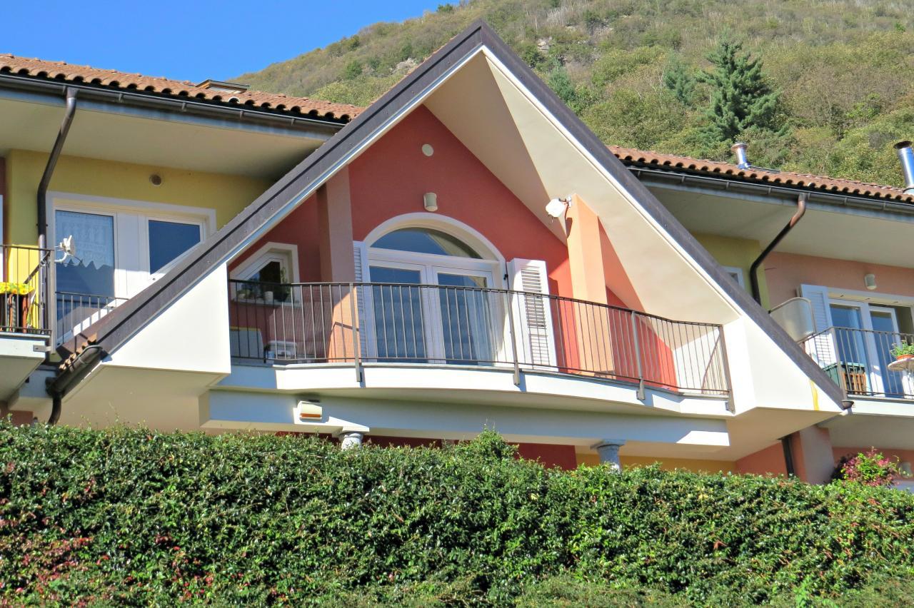 Appartamento in vendita a Ghiffa, 3 locali, zona Zona: Ronco, Trattative riservate   CambioCasa.it
