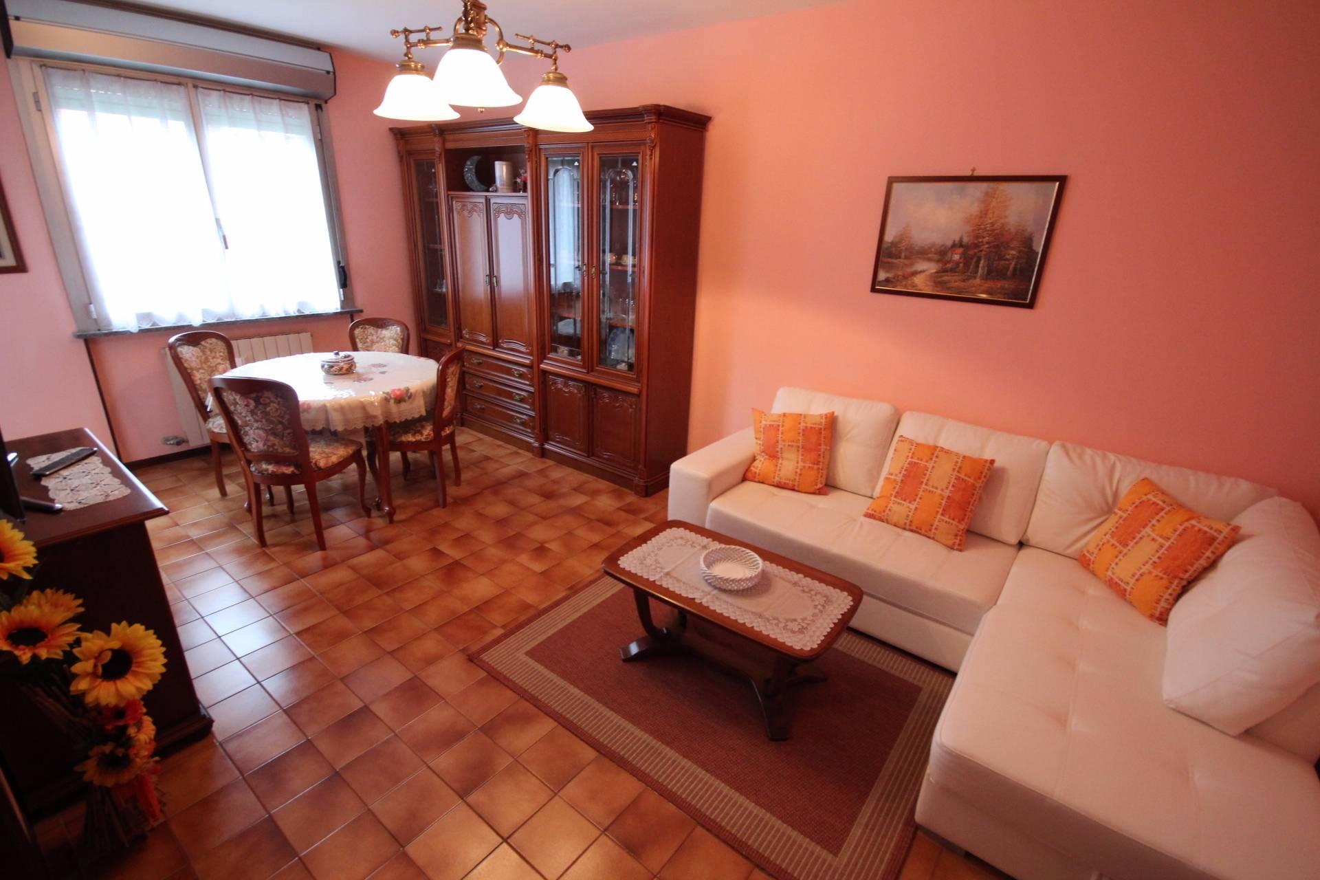 Appartamento in affitto a Verbania, 3 locali, zona Zona: Pallanza, prezzo € 600 | Cambio Casa.it