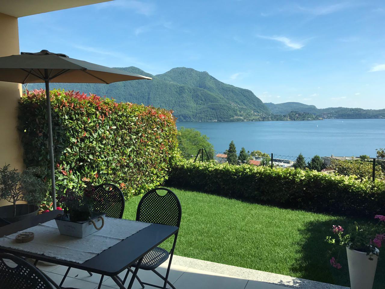 Appartamento in vendita a Ghiffa, 2 locali, prezzo € 220.000   CambioCasa.it