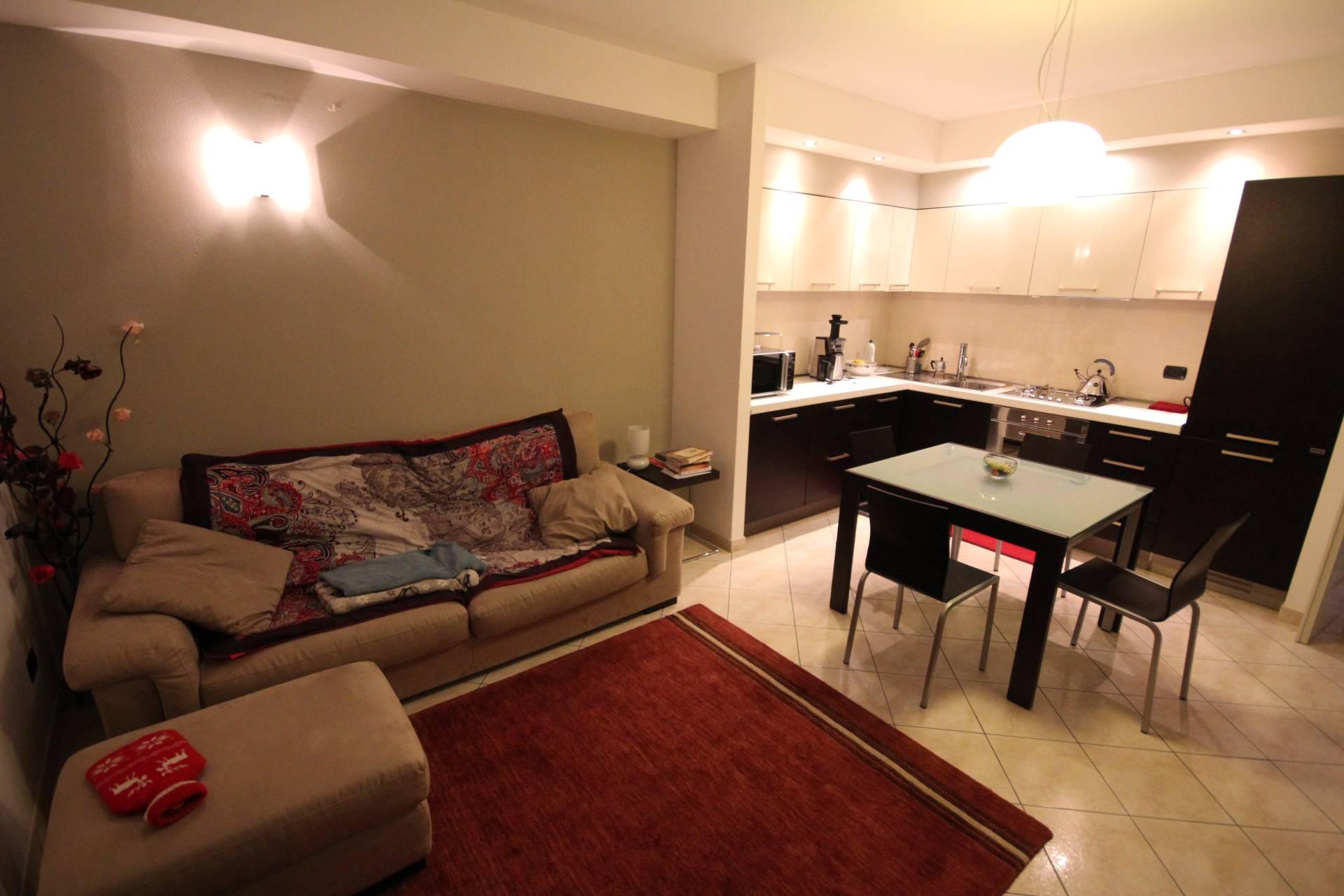 Appartamento in vendita a Verbania, 2 locali, zona Zona: Intra, prezzo € 155.000   CambioCasa.it