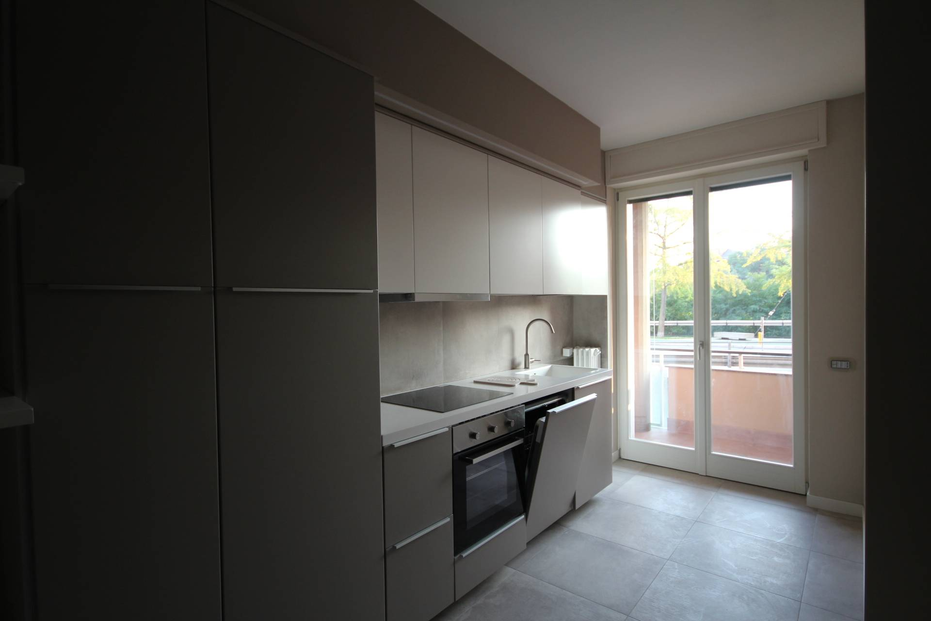 Appartamento in affitto a Verbania, 2 locali, zona Località: Intracentro, prezzo € 600 | CambioCasa.it