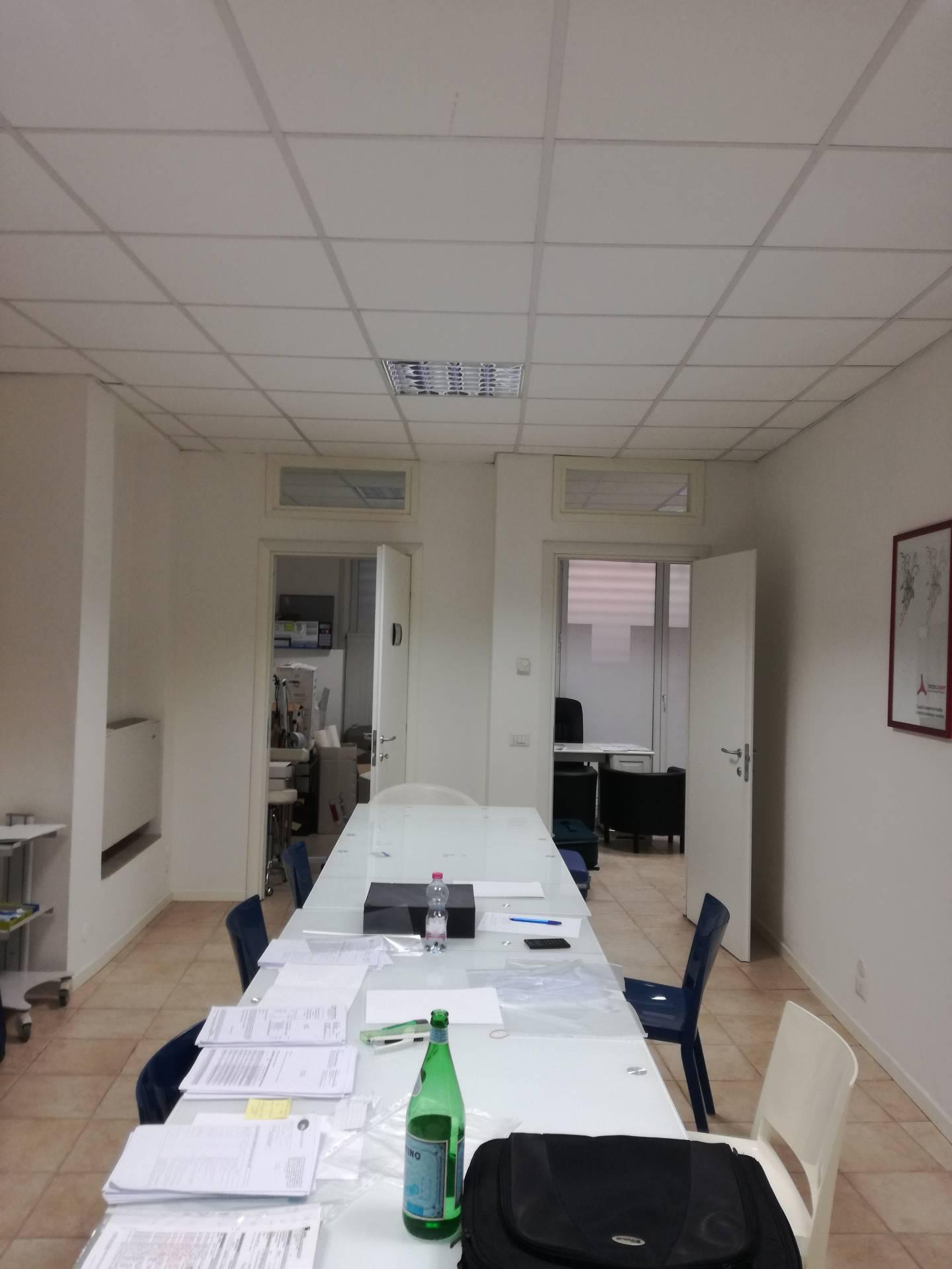 Negozio / Locale in affitto a Verbania, 9999 locali, zona Località: Intracentro, prezzo € 650 | CambioCasa.it