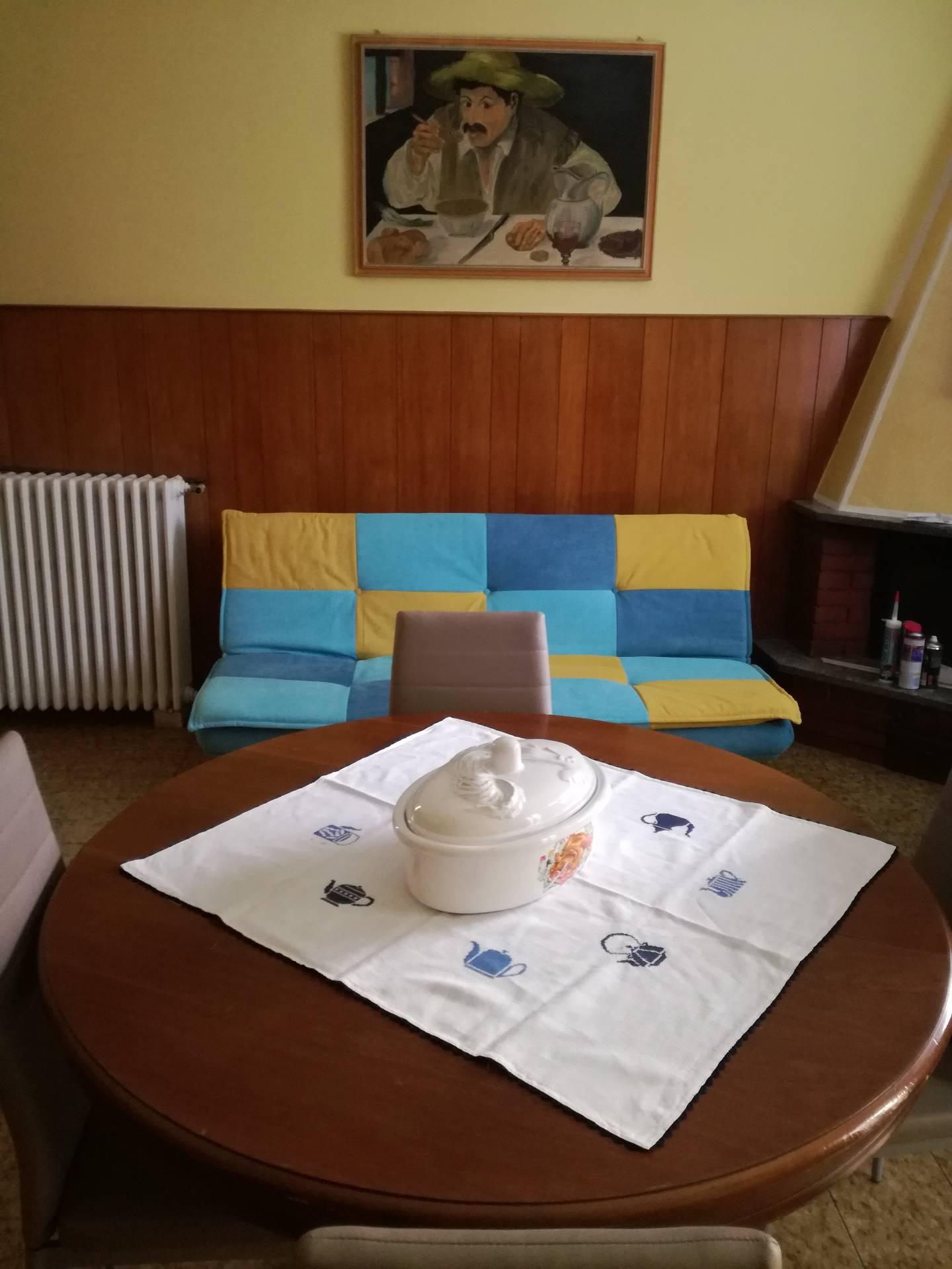 Appartamento in affitto a Gravellona Toce, 2 locali, prezzo € 400 | CambioCasa.it