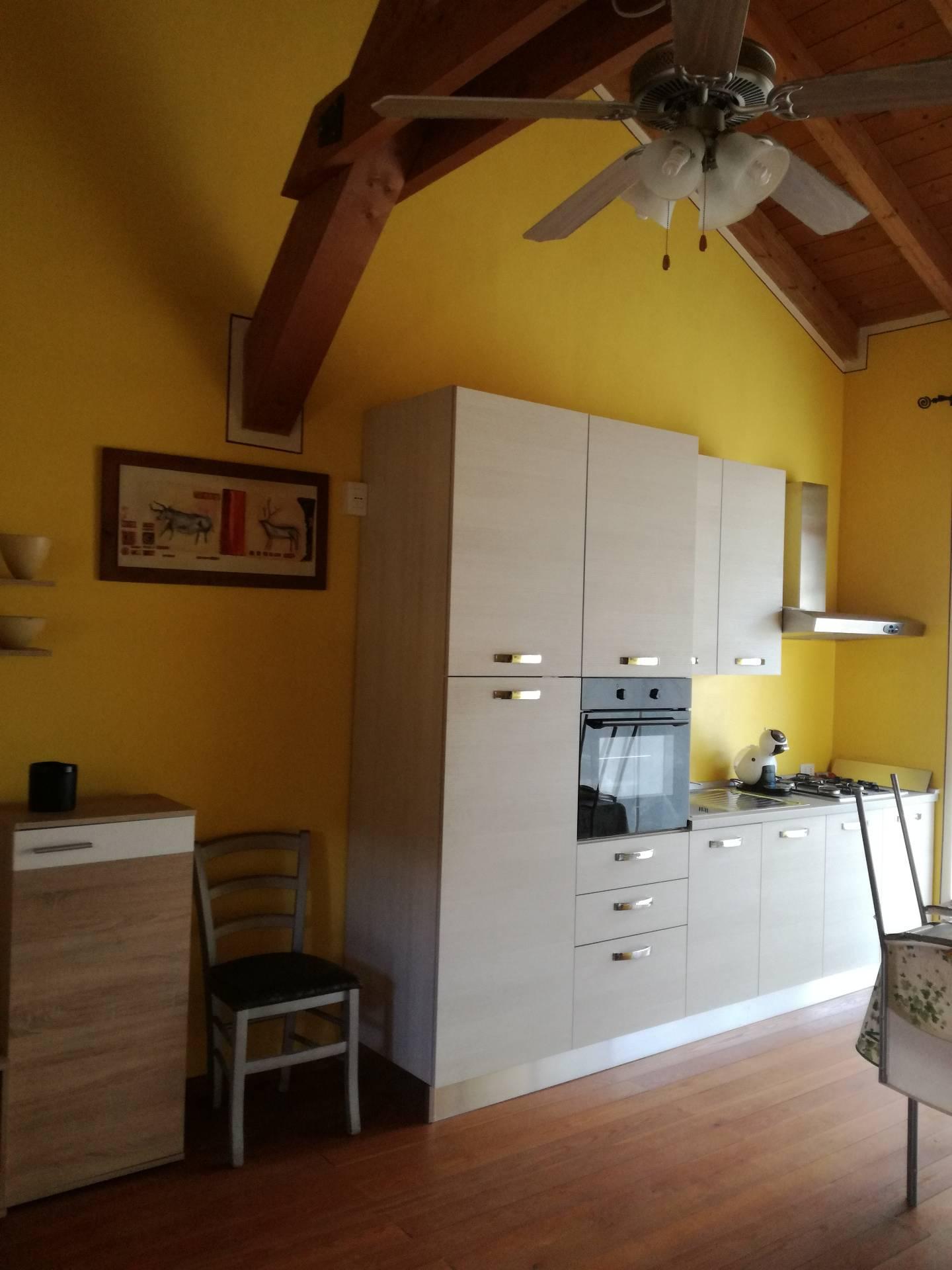 Appartamento in affitto a Verbania, 3 locali, zona Zona: Fondotoce, prezzo € 600 | CambioCasa.it