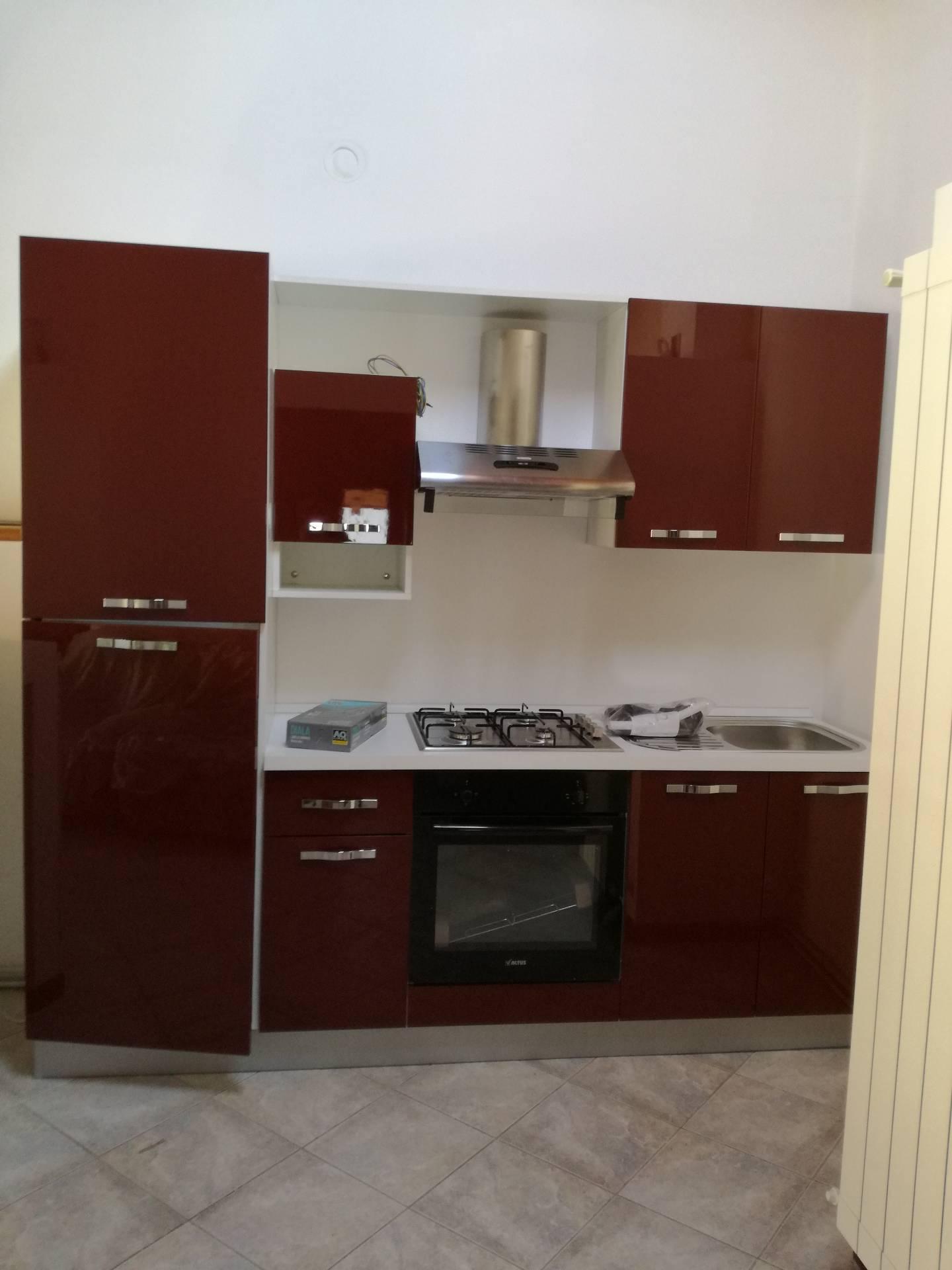 Appartamento in affitto a Verbania, 3 locali, zona Zona: Intra, prezzo € 550 | CambioCasa.it