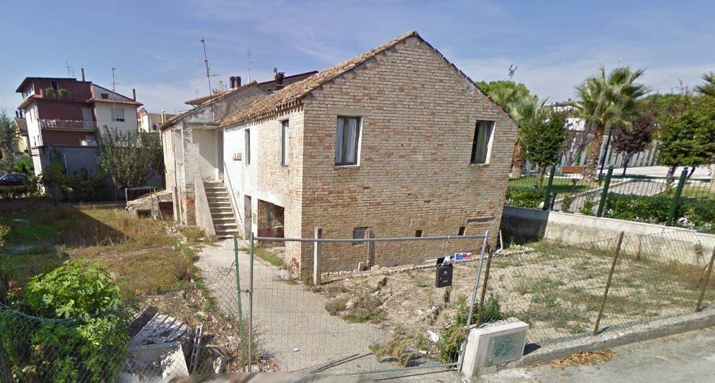 Soluzione Indipendente in vendita a Monteprandone, 9 locali, zona Zona: Centobuchi, prezzo € 140.000   Cambio Casa.it