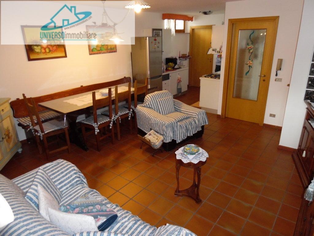 Villa in vendita a Grottammare, 6 locali, zona Località: sopralaStatale16, prezzo € 340.000 | Cambio Casa.it