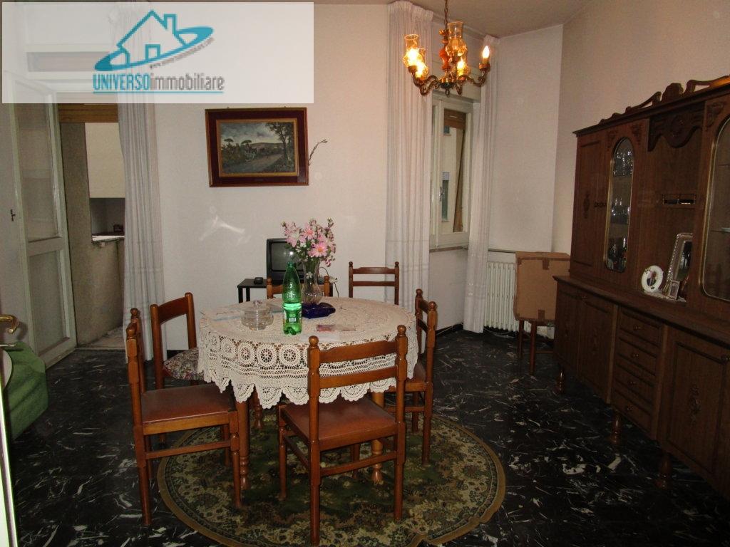 Appartamento in vendita a Ascoli Piceno, 5 locali, zona Località: PiazzaImmacolata, prezzo € 125.000 | Cambio Casa.it