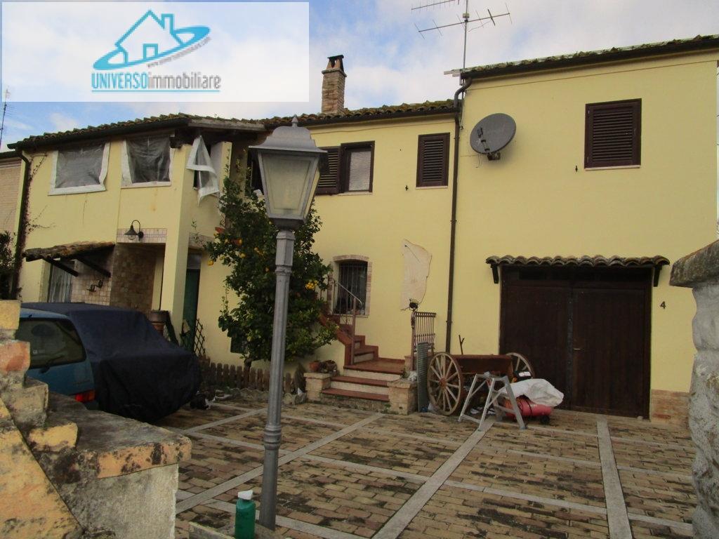 Villa in vendita a Monsampolo del Tronto, 6 locali, zona Località: StelladiMonsampolo, prezzo € 250.000 | Cambio Casa.it