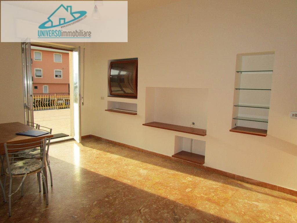 Appartamento in vendita a Monsampolo del Tronto, 5 locali, zona Località: StelladiMonsampolo, prezzo € 125.000 | Cambio Casa.it