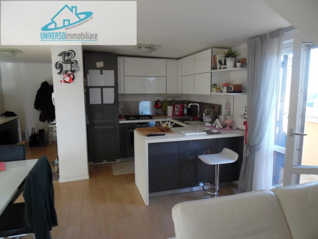 Appartamento in vendita a Acquaviva Picena, 3 locali, prezzo € 90.000 | Cambio Casa.it