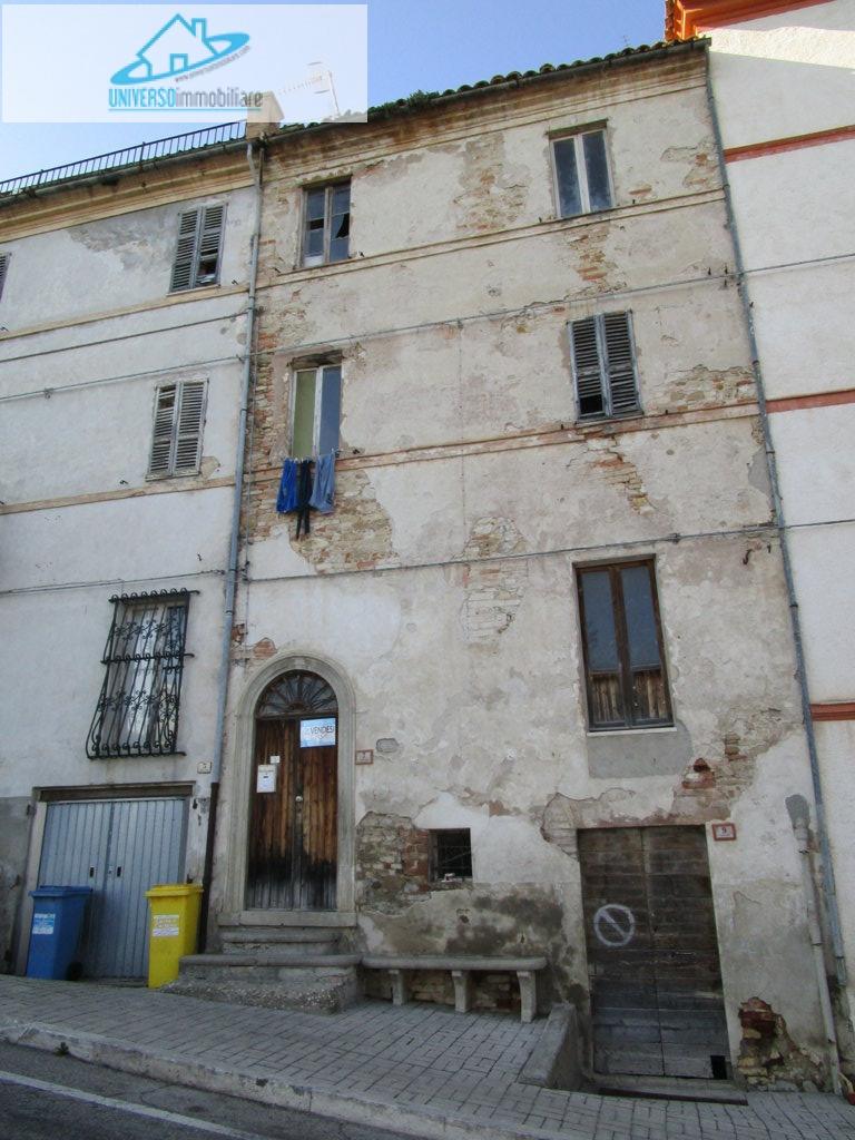 Soluzione Indipendente in vendita a Monteprandone, 6 locali, zona Località: Collinare, prezzo € 50.000   Cambio Casa.it