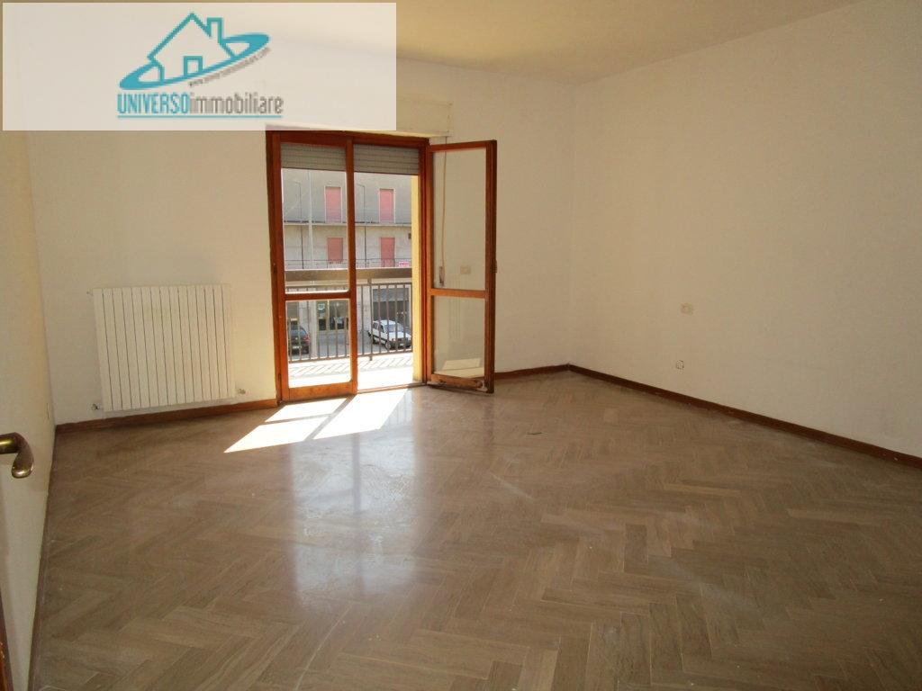 Appartamento in affitto a Monteprandone, 2 locali, zona Zona: Centobuchi, prezzo € 400 | Cambio Casa.it
