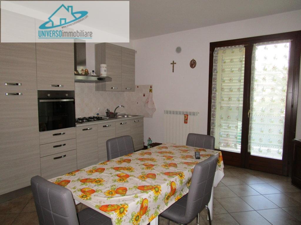 Appartamento in affitto a Monteprandone, 3 locali, zona Zona: Centobuchi, prezzo € 500 | Cambio Casa.it