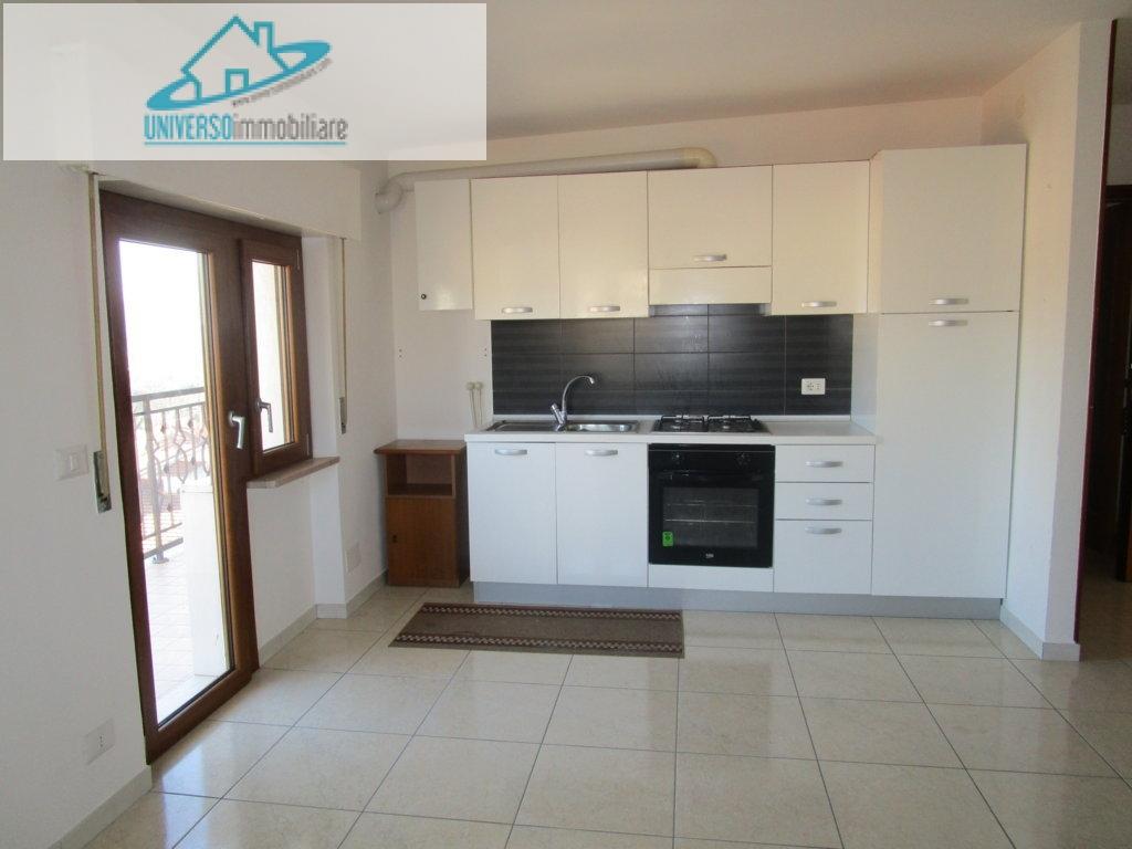 Appartamento in affitto a Monsampolo del Tronto, 3 locali, zona Località: StelladiMonsampolo, prezzo € 400 | Cambio Casa.it