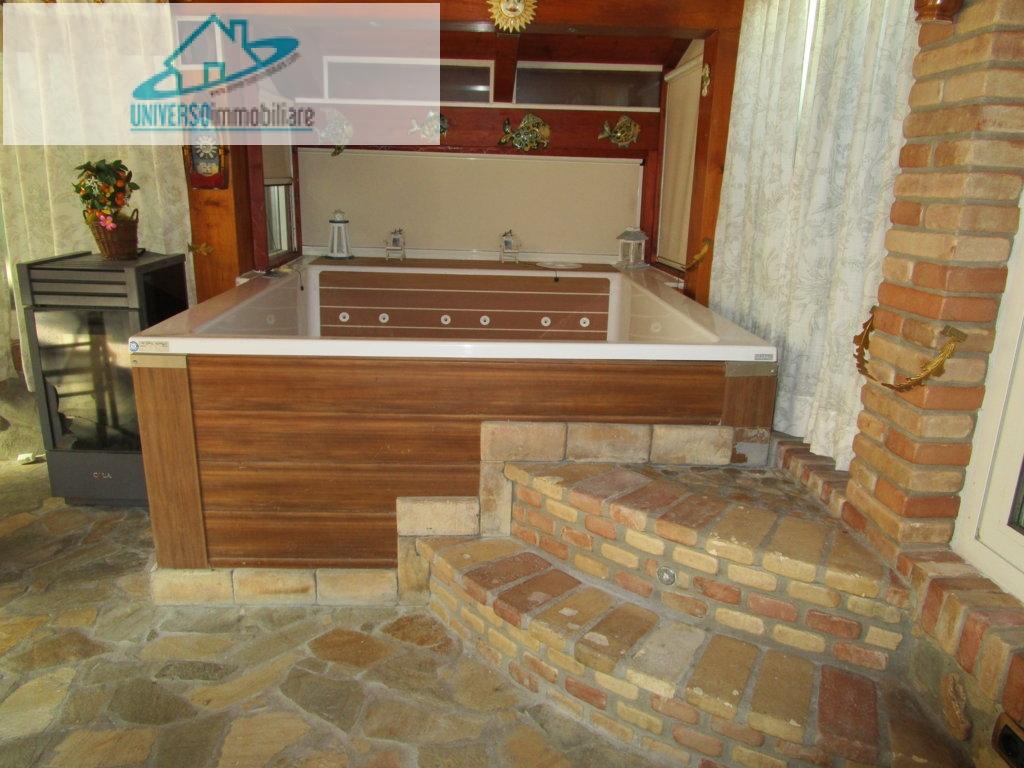Appartamento in vendita a Monteprandone, 4 locali, zona Zona: Centobuchi, prezzo € 150.000   CambioCasa.it