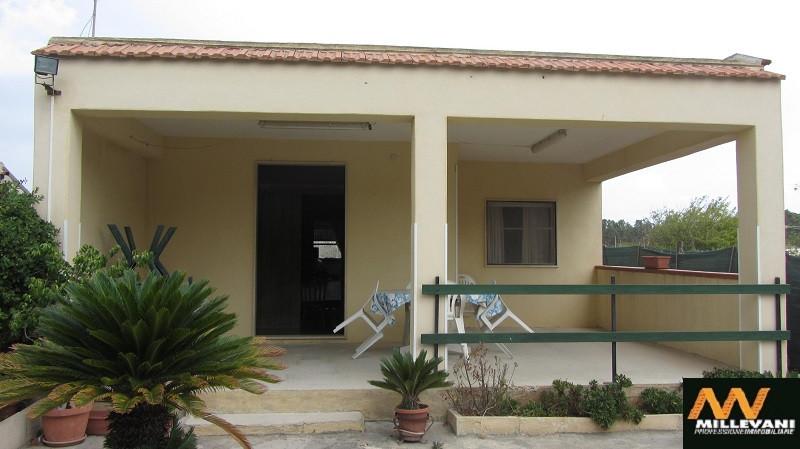 Villa in vendita a Ispica, 4 locali, prezzo € 68.000 | Cambio Casa.it