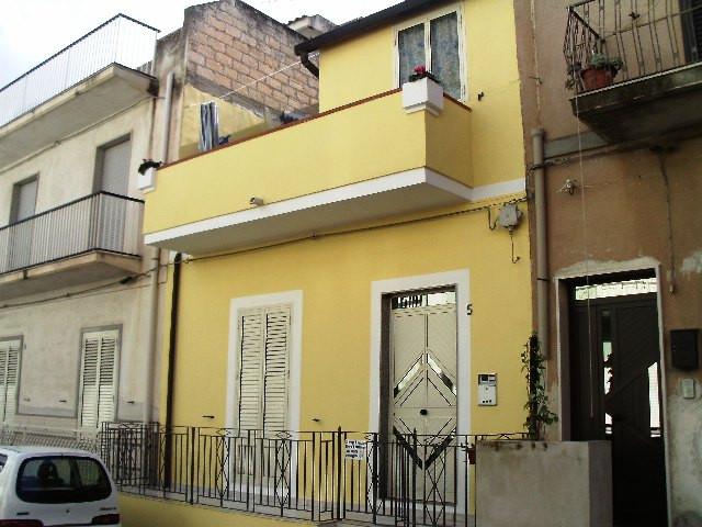 Soluzione Indipendente in vendita a Pozzallo, 5 locali, Trattative riservate | Cambio Casa.it