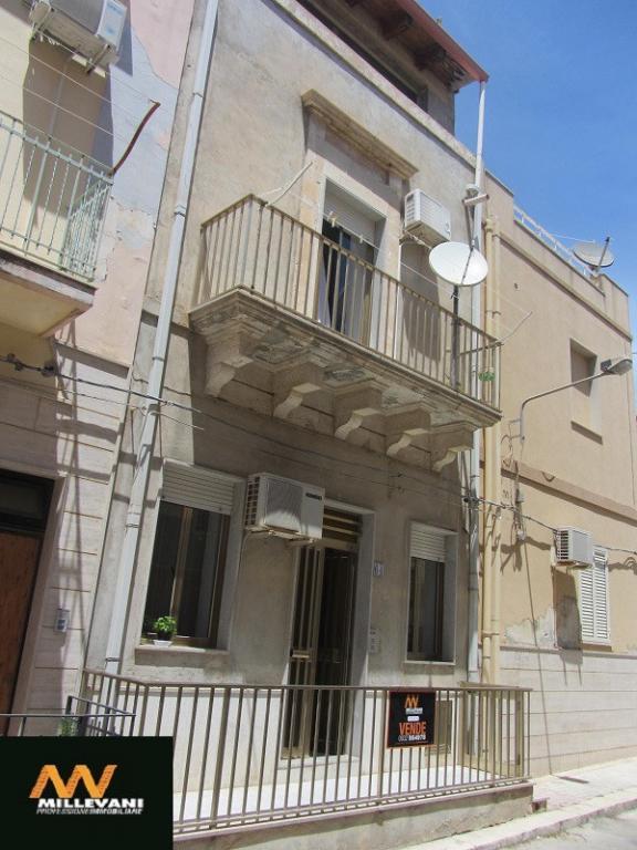 Soluzione Indipendente in vendita a Pozzallo, 4 locali, prezzo € 115.000 | Cambio Casa.it