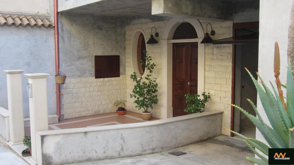 Appartamento in vendita a Pozzallo, 5 locali, Trattative riservate   Cambio Casa.it