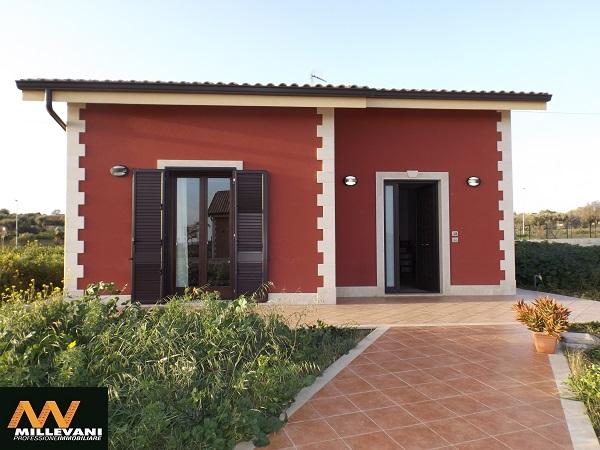 Villa in vendita a Pozzallo, 5 locali, prezzo € 220.000 | Cambio Casa.it